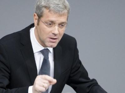 dts_image_525_hdooeprtro_2171_400_3001 Entscheidung für NRW: Druck auf Röttgen wächst