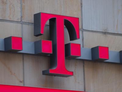 Telekom-Logo, dts Nachrichtenagentur