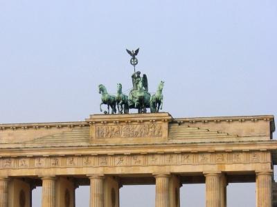 dts_image_3441_jrrrjbhrha_2171_400_300 SPD plant Jubiläumsparty kurz vor Bundestagswahlen am Brandenburger Tor