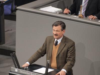 "dts_image_4252_qabprhasgs_2171_400_300 Bundestagsvizepräsident Solms: Hammelsprung war zulässiger ""Coup"" beim Betreuungsgeld"