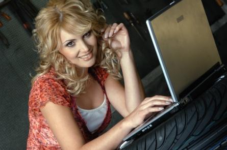 Photo of Online-Reifenhändler Delticom kauft Tirendo