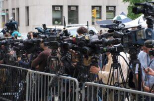 Pressekonferenz 310x205 - Ex-Kulturstaatsminister Nida-Rümelin kritisiert Medien