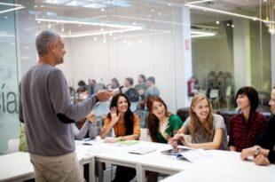 Sprachschule USA 310x205 - Bei Sprachreisen in die USA das Business Englisch verbessern