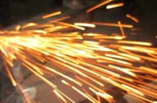 Stahlbearbeitung 310x205 - Bei Salzgitter geht die Angst um
