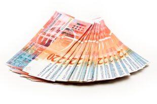 Schweizer Franken5 445x334 310x205 - Union Bancaire Privée - Steigerung der Kundenvermögen um 10%