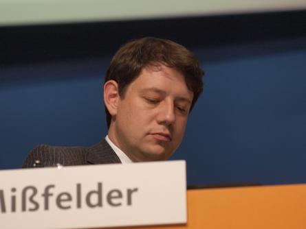 Photo of CDU-Außenexperte Mißfelder fordert politische Verhandlungen über NSA-Arbeit in Deutschland
