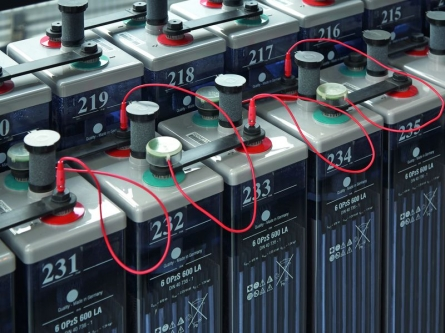 AEG Power Solutions stellt drahtloses Batterie-Management-System vor