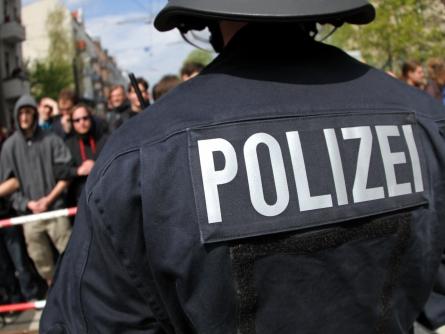 Photo of Gewalt gegen Einsatzkräfte: Gewerkschaften fordern schnellen Schutz gegen Übergriffe
