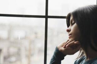 HS 057. Wirtschaft.com Depression Arbeit 310x205 - Volkskrankheit Depressionen – wenn der Alltag zur Last wird