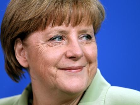 Photo of Merkel bei WM-Auftaktspiel der DFB-Elf im Stadion