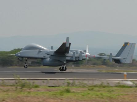 """Regierung für Leasing von israelischer Drohne """"Heron"""""""
