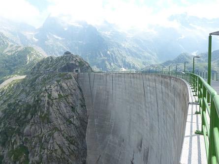 Staumauer - Studie: Pumpspeicherkraftwerke in Deutschland, Österreich und der Schweiz