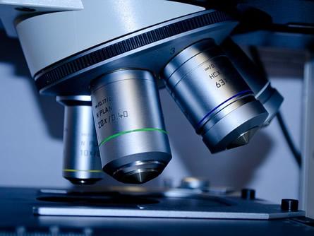 Mikroskop - Biotechnologie Unternehmen sphingotec expandiert in die USA