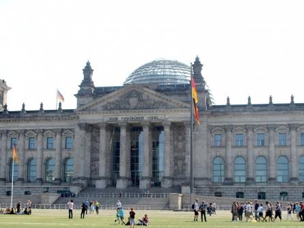 Photo of Polizeigewerkschaften schließen Anschlag auf Berliner Reichstag nicht aus