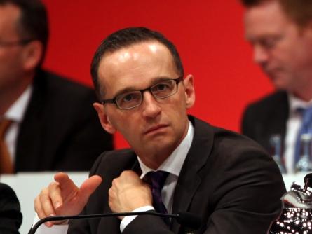 Bild von Missbrauchsopfer werfen Justizminister Maas Wortbruch vor
