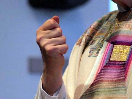 Photo of Bosbach gegen muslimische Lieder in Weihnachts-Gottesdiensten