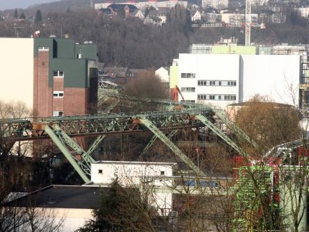 Photo of Nur acht Festnahmen bei Protest-Marathon in Wuppertal