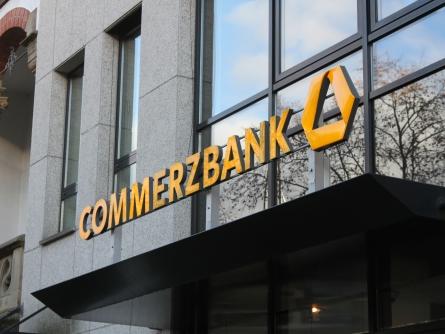 Photo of Commerzbank-Chef: Kosteneinsparungen sind dauerhafter Prozess
