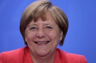 dts image 9789 dgbpsagago 2171 701 5261 310x205 - Varoufakis lobt Merkels Flüchtlingspolitik