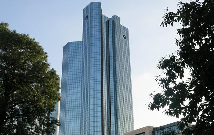 Photo of Es wird eng, Kommentar zur Deutschen Bank von Bernd Neubacher
