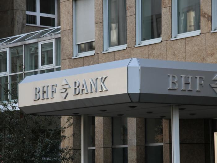 Photo of L'Oréal-Milliardäre steigen bei BHF-Bank ein