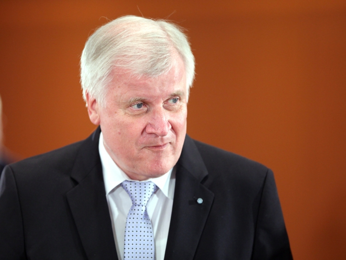 Bild von Seehofer erleidet bei CSU-Klausurtagung Schwächeanfall