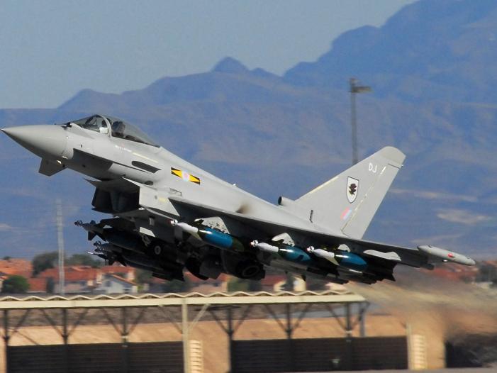 Photo of Britische Luftwaffe fängt russische Kampfjets ab