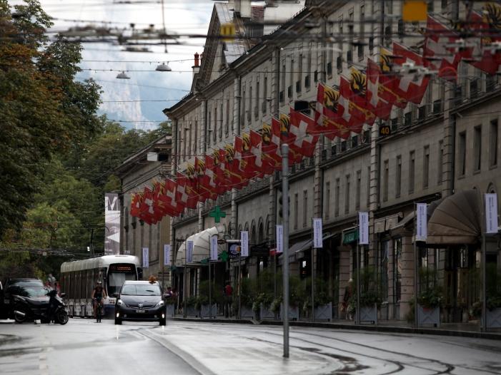 Erste Trendrechnung: Schweizer lehnen schärferes Ausländerrecht ab