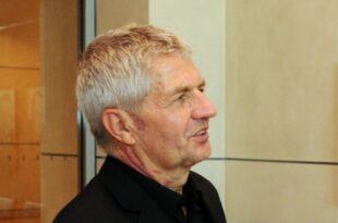 Stasi Beauftragter Jahn bekommt Entlassungsurkunde 310x205 - Stasi-Beauftragter Jahn bekommt Entlassungsurkunde
