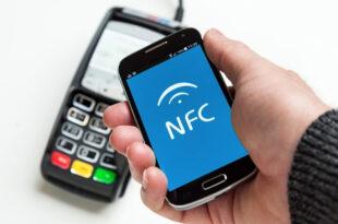 bezahlen smartphone 310x205 - Alipay kommt in die Schweiz
