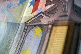 50 Euro Nahaufnahme 310x205 - Kartellamtspräsident für Modernisierung des Kartellrechts