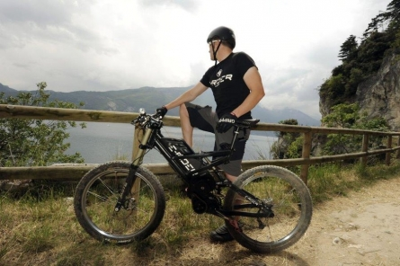 Power E Bike - Power E-Bike: Mountainbikes jetzt auch mit Elektro-Power