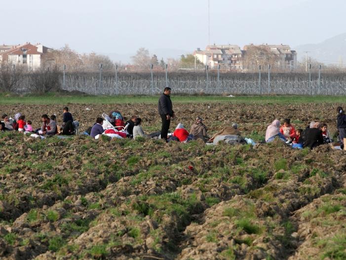 Spahn will Arbeitsmarkt für Flüchtlinge öffnen - Spahn will Arbeitsmarkt für Flüchtlinge öffnen