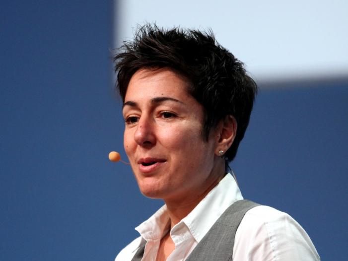 Photo of ZDF-Moma-Chef nimmt Hayali gegen AfD-Chefin Petry in Schutz