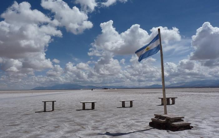 Argentinien Flagge - Der IWF kehrt nach Argentinien zurück