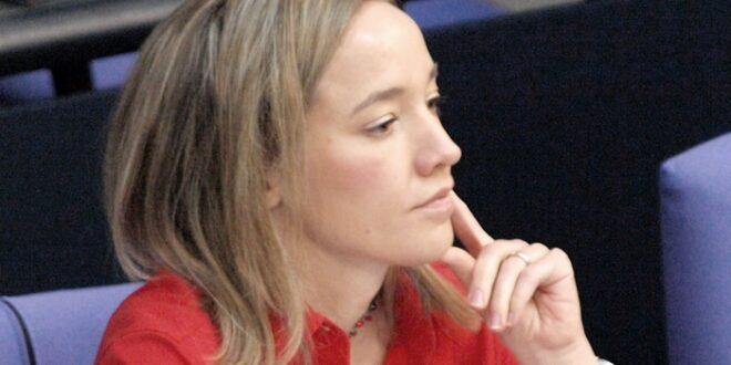Ex Familienministerin Schröder rechnet mit Kritikern ab 660x330 - Ex-Familienministerin Schröder rechnet mit Kritikern ab