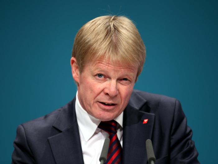 Hoffmann erwartet Machtwort der Kanzlerin zu Leiharbeit