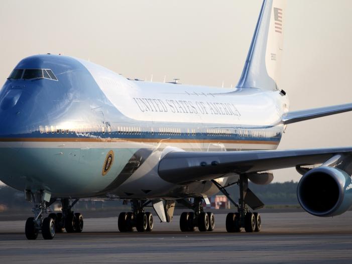Obama zu Besuch in Deutschland eingetroffen - Obama zu Besuch in Deutschland eingetroffen