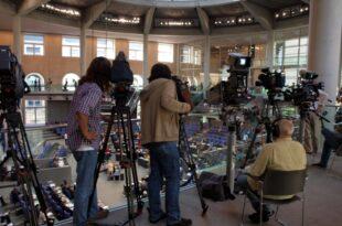 Reporter ohne Grenzen Pressefreiheit in Deutschland nimmt ab 310x205 - Reporter ohne Grenzen: Pressefreiheit in Deutschland nimmt ab