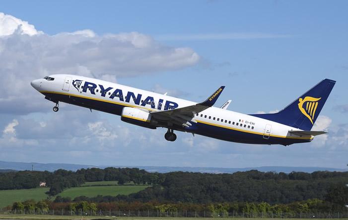Photo of Ryanair baut Streckennetz ab Berlin-Schönefeld weiter aus