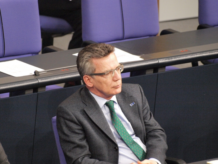 """AfD-Debatte-Jusos-werfen-CSU-und-de-Maizière-Totalausfall-vor AfD-Debatte: Jusos werfen CSU und de Maizière """"Totalausfall"""" vor"""
