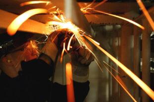 Arbeitskleidung 310x205 - engelbert strauss – Stoff für echte Helden
