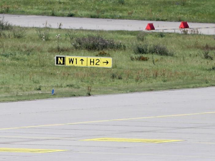Bild von Flughafen Hannover für mehrere Stunden gesperrt