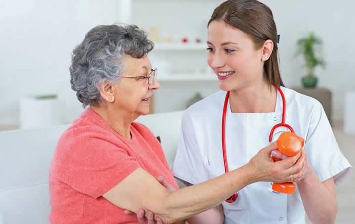 Gelenkverschleiß: Arthrosepatienten sollten frühzeitig aktiv werden
