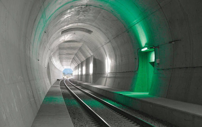 Gotthard Basistunnel - Gotthard-Premierenfahrt endet pünktlich in Lugano