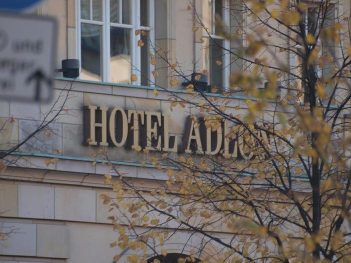 Hotel <a title=