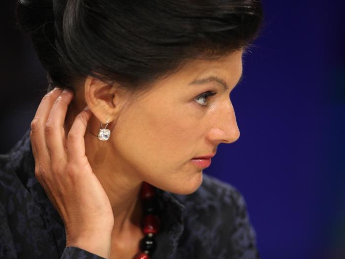 Photo of Linken-Politiker van Aken für Ablösung Wagenknechts