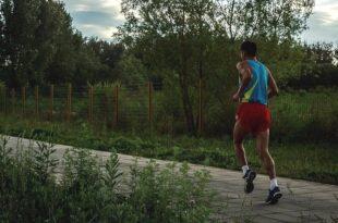 Jogging 310x205 - Gut fürs Herz: Wie Sie sich richtig ernähren und bewegen