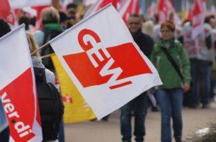 GEW fordert 18 Milliarden Euro für zusätzliche Lehrerstellen 310x205 - GEW fordert 1,8 Milliarden Euro für zusätzliche Lehrerstellen