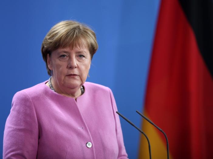 Zentralrat der Muslime nimmt Merkel in Schutz - Zentralrat der Muslime nimmt Merkel in Schutz